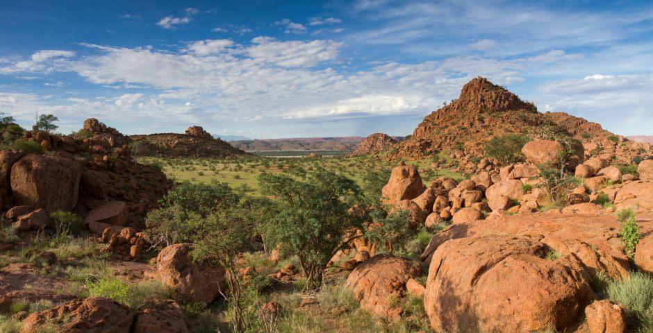 Damaraland, een uitgestrekte ruige woestijnregio in Noord-Namibië